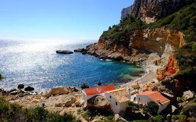 Poble Nou de Benitatxell: bellesa costanera i tranquil·litat interior